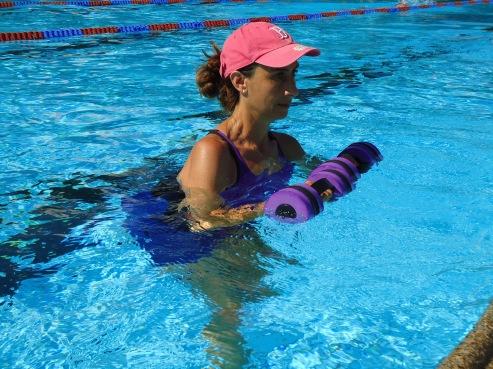 aquafit aquagym aquafitness sport cours groupe musique natation bien être santé eau profonde gilet natation perte de poids chéserex bassins vaud genève